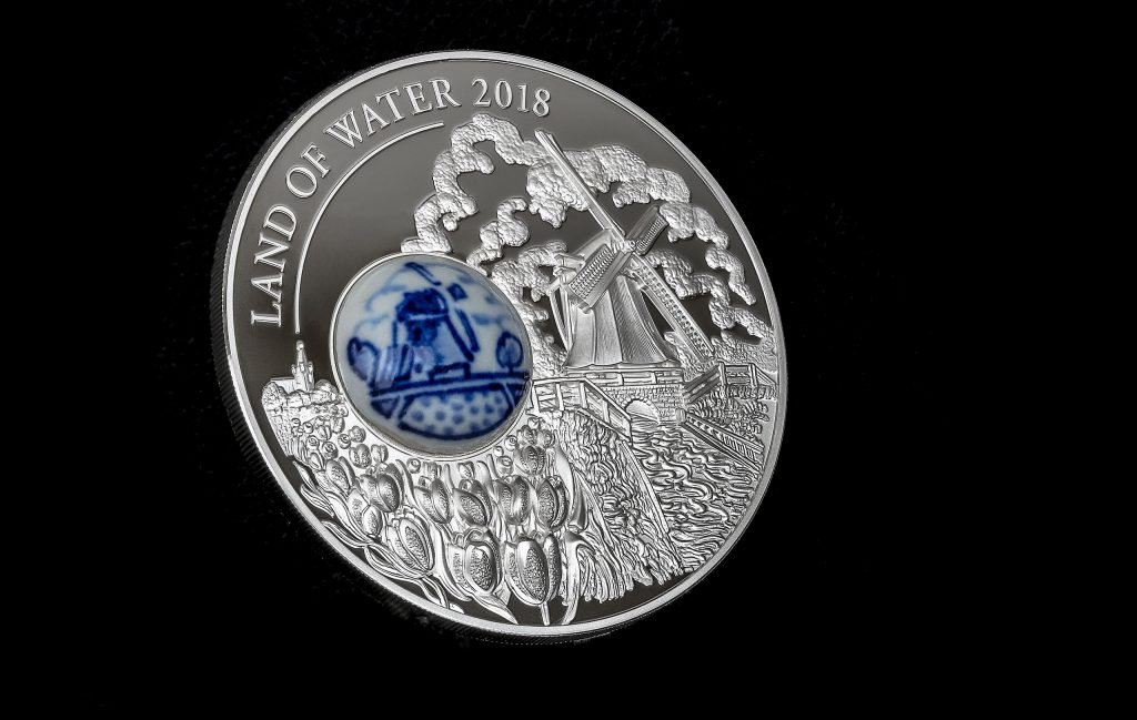 Cook Islands 2018 10 Dollars Royal Delft Land of Water Silver Coin