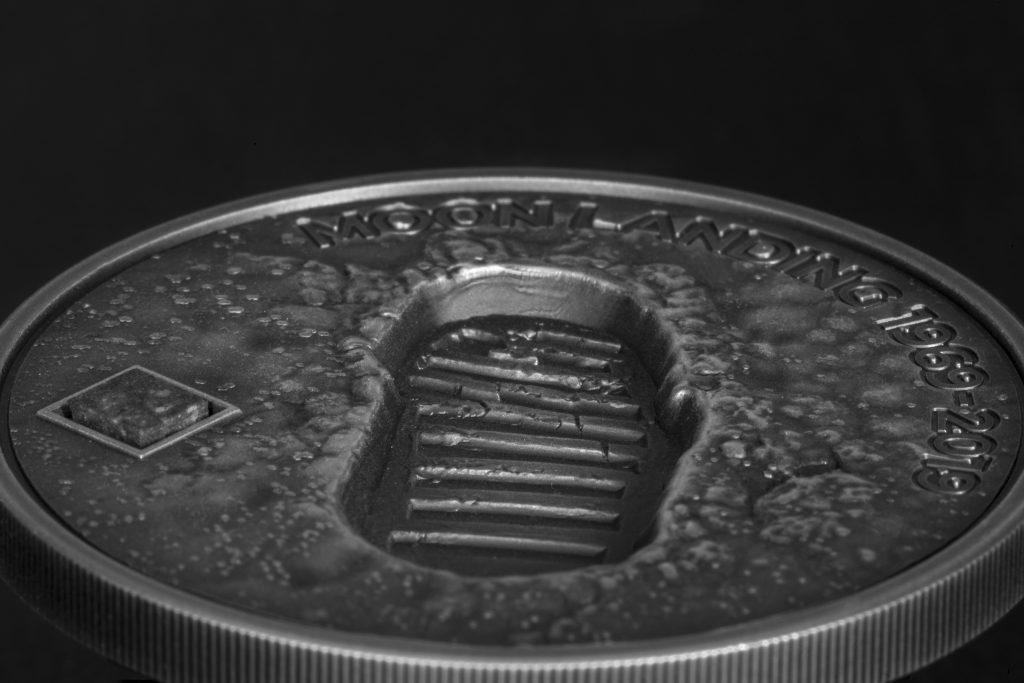 Cook Islands 2019 5 Dollars Moon Landing 1969 Footprint with Meteorite Silver Coin